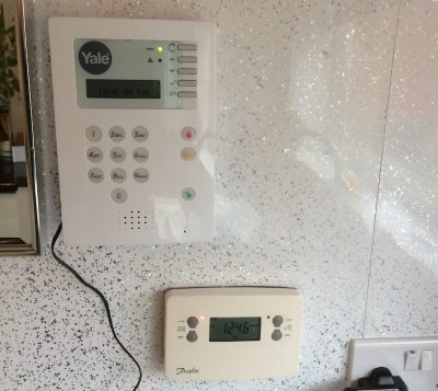 Pik Mik Mobile Locksmith in tamworth - Yale Home Security Kit - Intruder Alarm fitting service